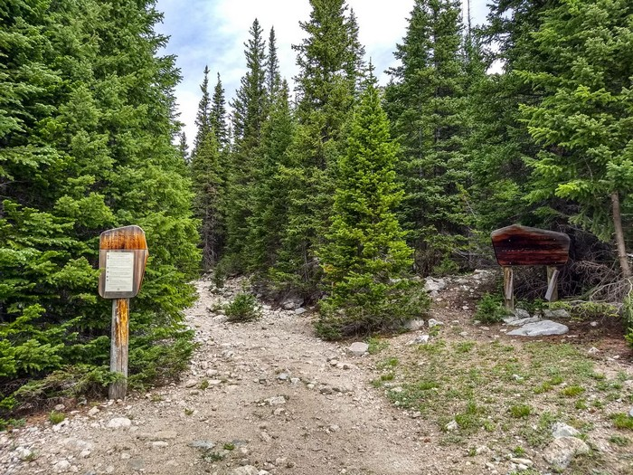 Indian Peaks Wilderness boundary on Buchanan Pass Trail