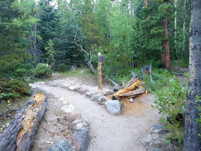 Ypsilon Lake Trail junction