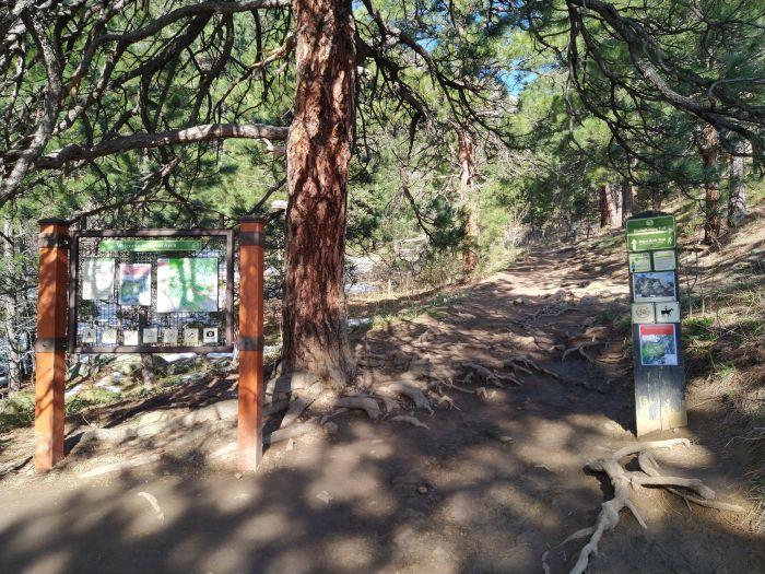 Royal Arch Trail turnoff